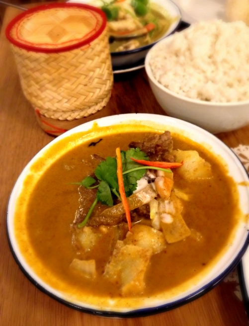 Rosas Thai Cafe | Carnaby Street | Massaman | We Love Food, It's All We Eat